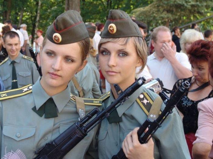 American Girls. Those Iowa Girls.... lol girls funny FUNNYJUNK hot Guns