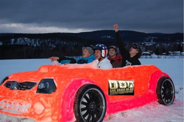 Awesomeness. . Cars Snow