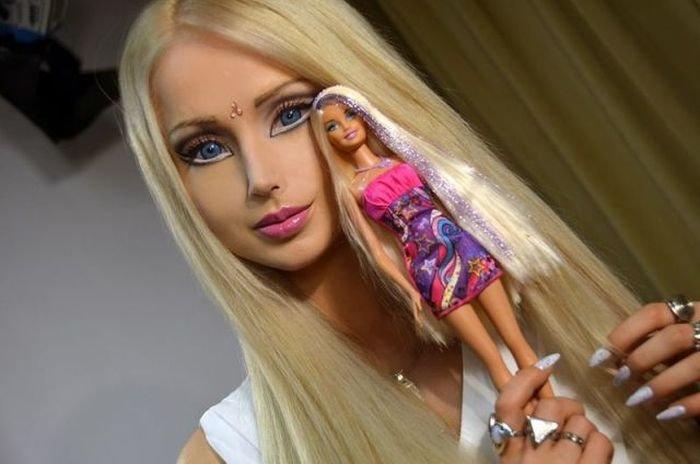 Barbie. .. wait who's the nicki minaj here? Barbie sexy Girl