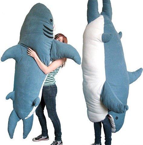 Best pillow ever. OMFG i want this pillow so damn much.