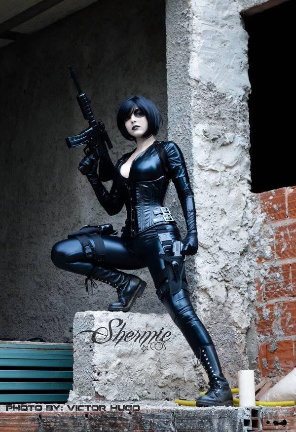 Domino cosplaygirl. source: .