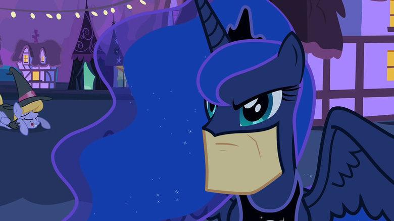 i'm batman. i'm batman.. It took me a lot longer then I want to admit to figure out that was a chin rather then a paper bag im batman