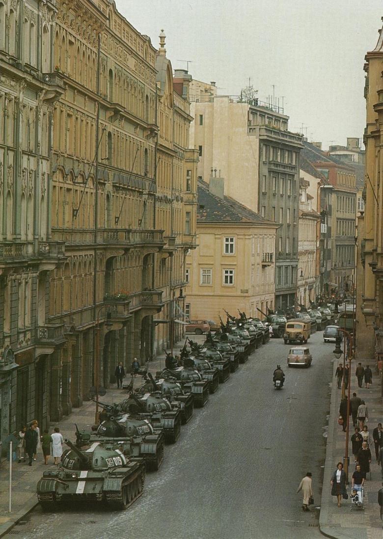 Смотреть бесплатно пикап на улицах праги 1 фотография