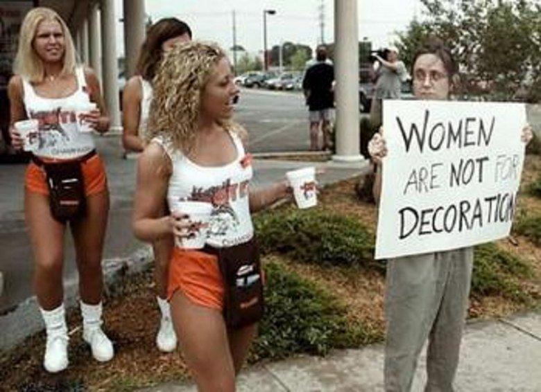 Lulz. ..nuff said. epic lulz feminist dumb bitch Crazy trolls Hooters