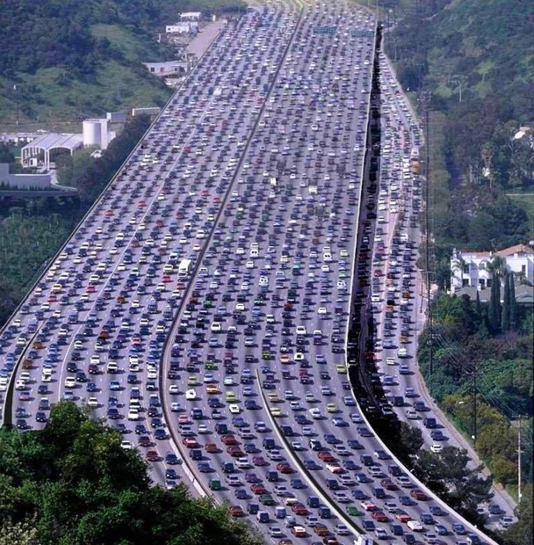 MAOR TRAFFIC!. you want traffic?? im gonna spam so much FJ is gonna look like this when im done!!.. ....____ . ._/_/___\___. /_(o)___(o)_! traffic