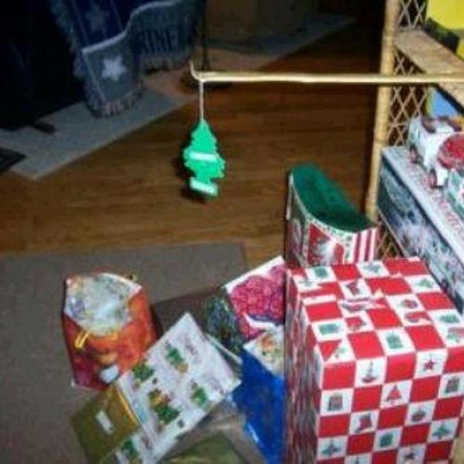 Mexican Christmas Tree. Hola, y feliz navidad, fellow Mexican Funny Junkers!.. Feliz navidad, prospero año y felicidad