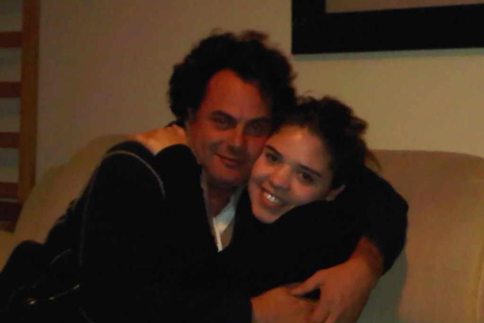 my friend's dad look's like Dan Aykroyd. .. maybe Dan Akyroyd look like your dad's friend