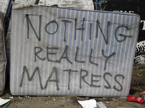 nothing really matress. .. anyone can sea waves
