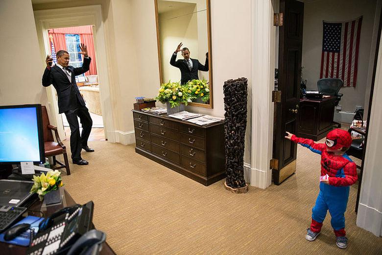 Obama Vs Spider-Man. .