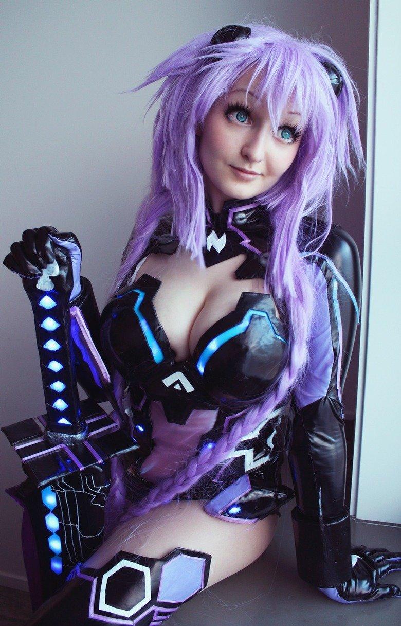 Purple Heart from Hyperdimension neptuni. source: .. I'd prefer this dress.