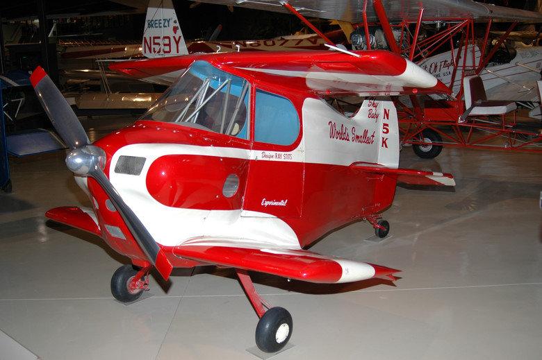 Sky Baby - World's smallest plane. Source: Imgur.