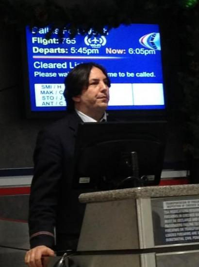 Snapes on a plane. . ati i Flight: as tait;' Depart: 5: Haw: 5. Cleared Li' Plenum: tannin.. Flight 394 now leaving.