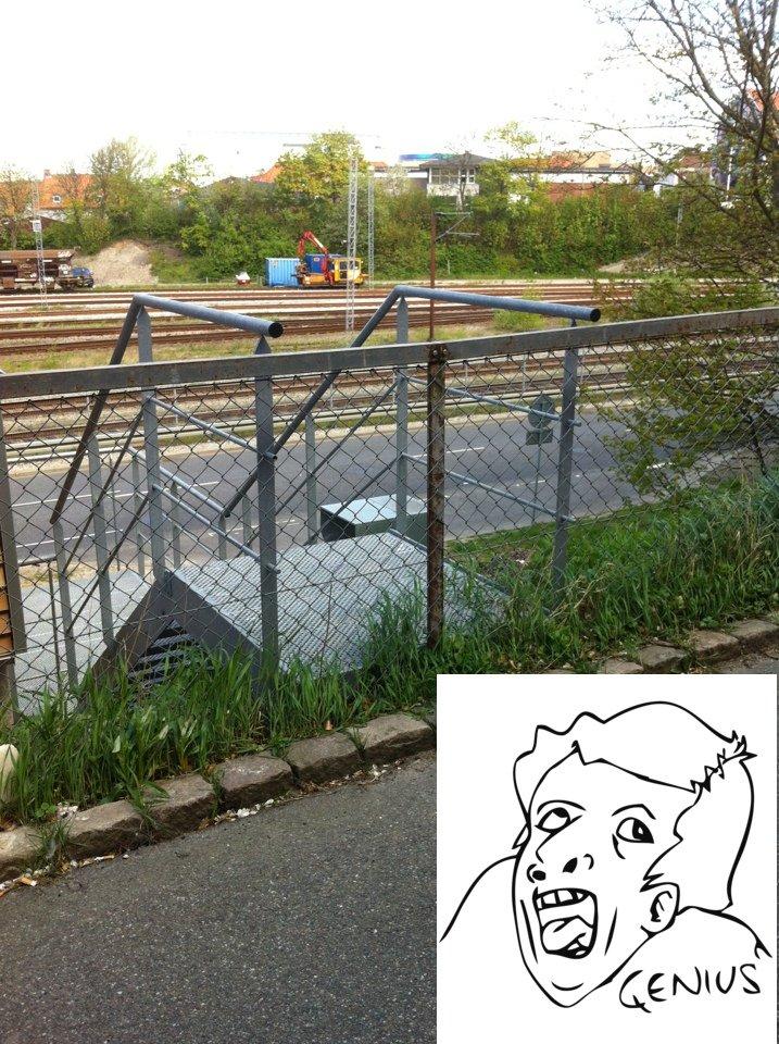 meanwhile in Denmark. meanwhile in denmark genius.. Tja, så kan man bare lette røven og komme i gang med det gode gamle parkour lol