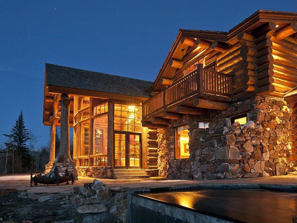 Log cabins yo for Luxury log cabin homes