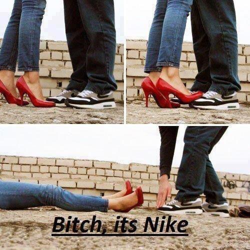 bombilla escucha Chapoteo  It's Nike