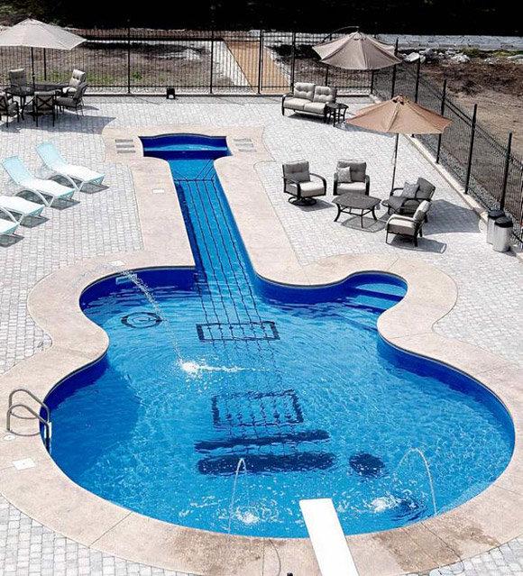 Les Pa... Les Pool. on