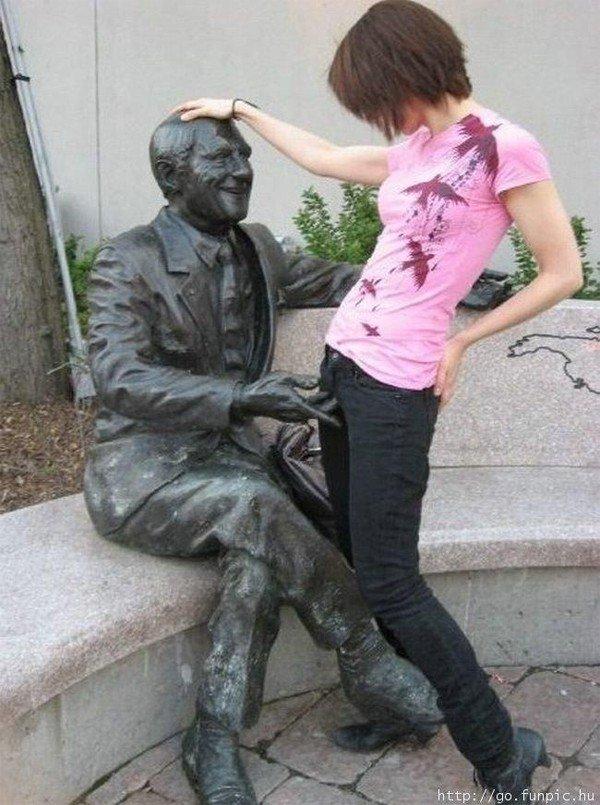 Секс о статуей